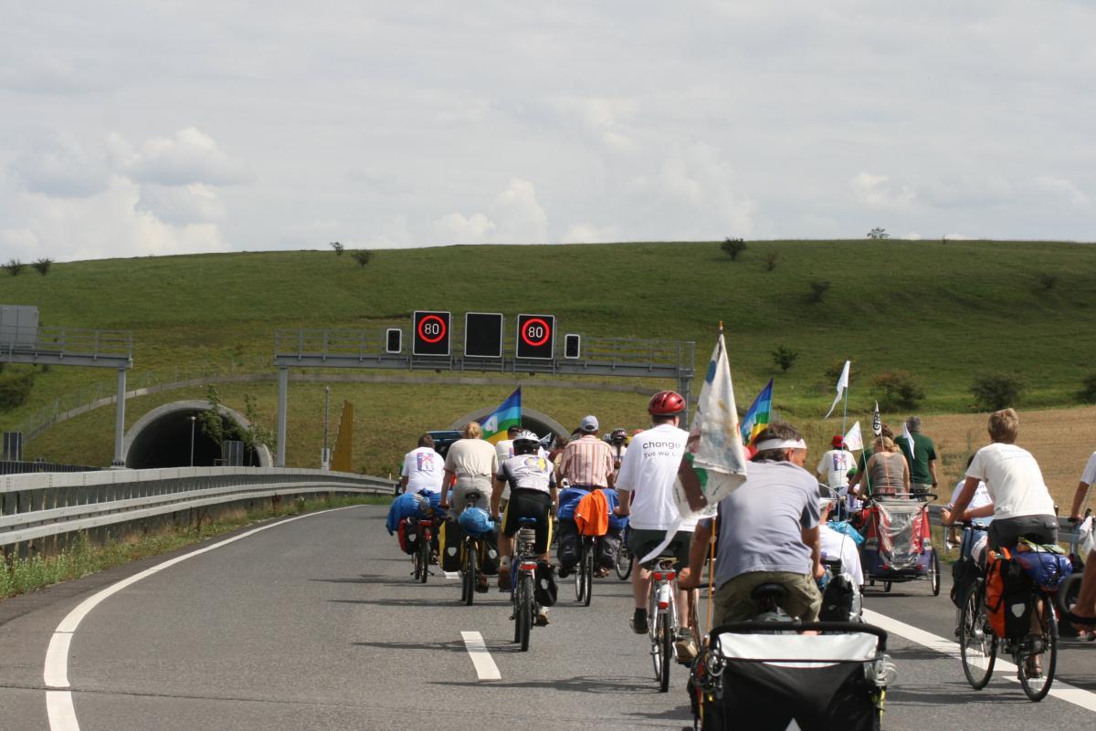 2008 erklagte die Tour de Natur das Recht auf der A44 zu fahren