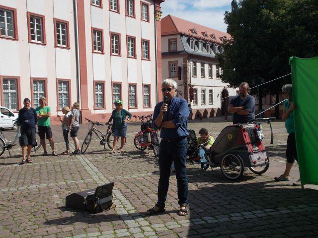 Dieter TEufel auf der Kundgebung in HD