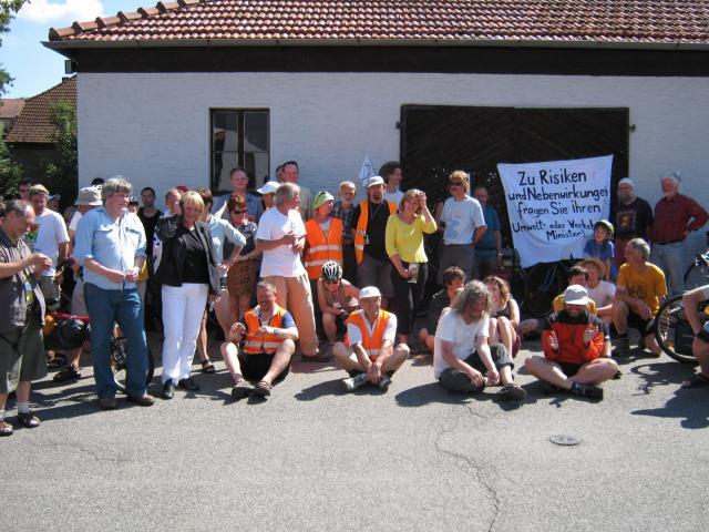 Tourteilnehmer mit Aktiven der Initiative Bahndreieck Spessart