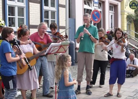 Tourorchester spielt in Dannenberg
