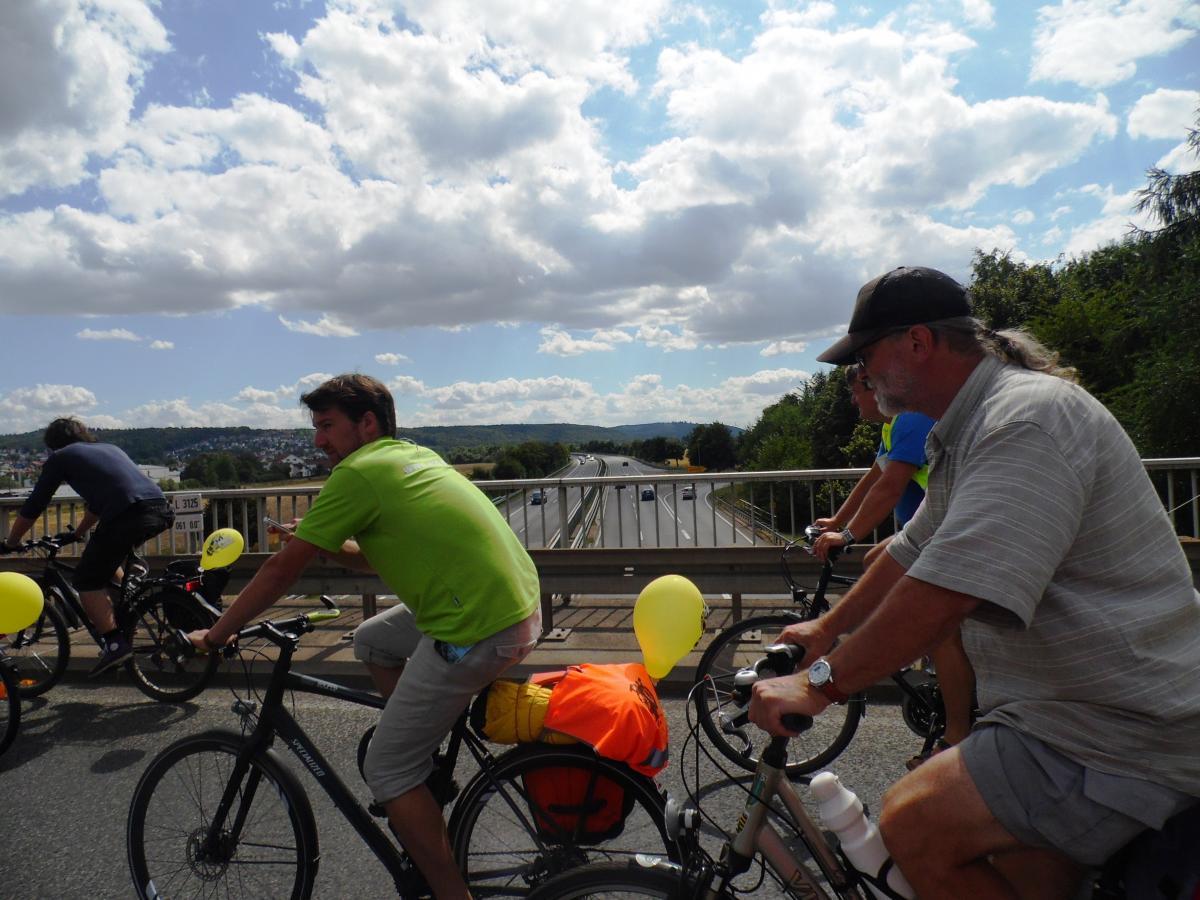 Tour de Natur quert die B3 bei Marburg